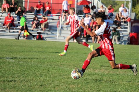 Freshman Jovanny Gallegos-Jimenez runs the ball down the field. This was prior to Huron gaining their one-point lead, when both teams were desperate to score.